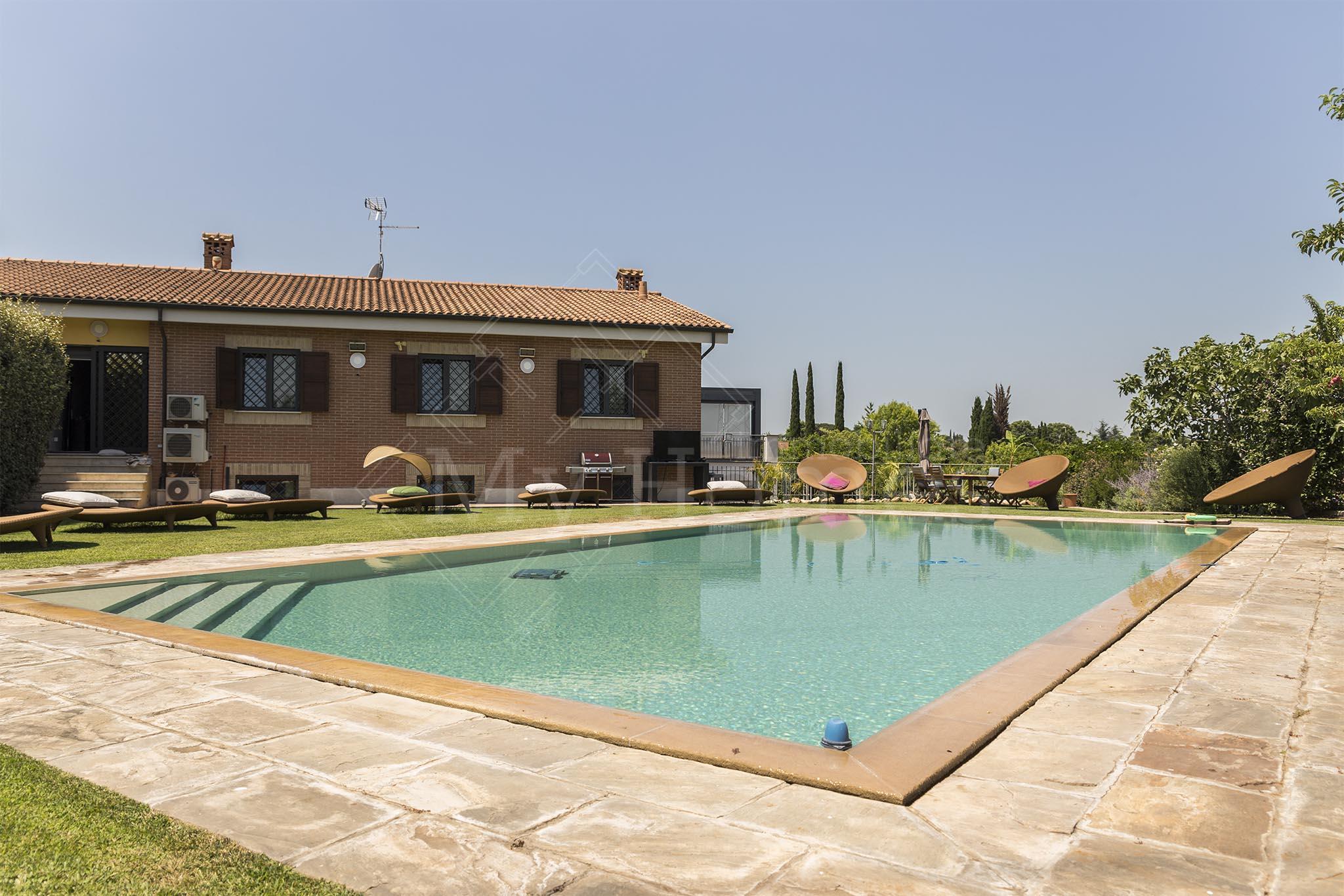 Villa Via Greta Garbo, Vallerano