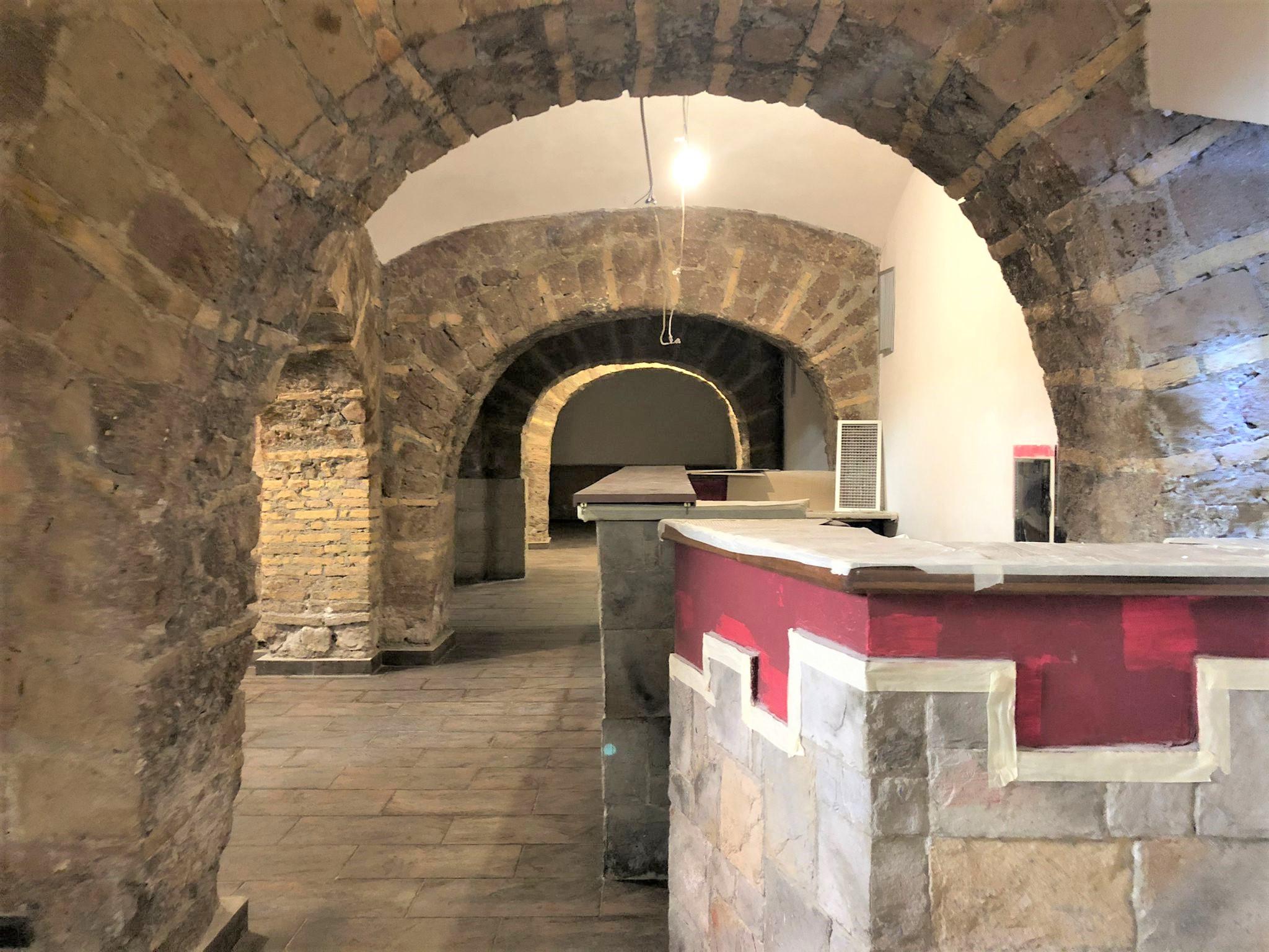 Locale Commerciale Via Cagliari, Salario